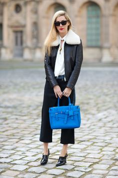Street Style Paris Fashion Week Fall 2014 - Paris Fashion Week Fall Street Style - Joanna Hillman with Reed Krakoff bag Street Style 2014, Autumn Street Style, Street Style Looks, Street Chic, Street Style Women, Paris Street, Parisienne Chic, Love Fashion, Autumn Fashion