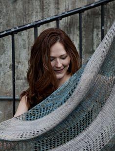 Ravelry: Stella shawl in Madelinetosh Tosh Sock - knitting pattern by Janina Kallio.
