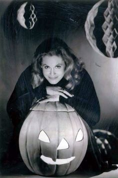 Elizabeth Montgomery In A Third Season Halloween Promo For Bewitched