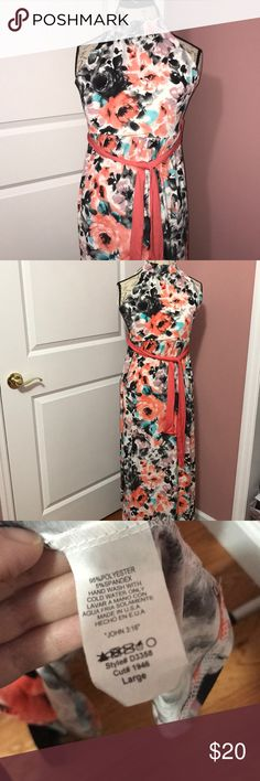 BOGO FREE🎉NWOT Adorable Floral Maxi Dress💞 NWOT. Perfect for spring and summertime. Feel free to ask any questions or make an offer Dresses Maxi