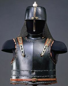 """European cuirass and helmet made in the Otoman style, 17th century, from the """"Turkish Chamber"""" in Dresden Castle."""