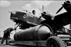Short Stirling Photo Collection - Page 9 - Short Stirling & RAF Bomber Command Forum Air Force Aircraft, Navy Aircraft, Ww2 Aircraft, Military Aircraft, Lancaster Bomber, Ww2 Planes, Royal Air Force, German Army, Nose Art