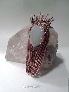 Кулон Трандуил Король эльфов 4, агат Metal Jewelry, Beaded Jewelry, Jewelry Art, Jewelry Ideas, Jewlery, Wire Wrapped Necklace, Wire Wrapped Pendant, Handmade Copper, Handcrafted Jewelry