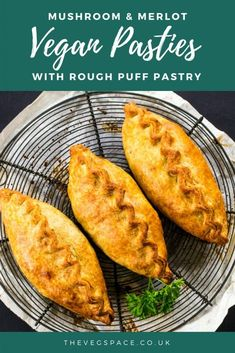 This Mushroom & Merlot Vegan Pasty recipe is a Sunday lunch showstopper! Delicious Vegan Recipes, Vegetarian Recipes, Vegan Vegetarian, Cooking Recipes, Vegan Foods, Vegan Meals, Pescatarian Recipes, Cuban Recipes, Healthy Recipes