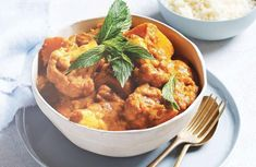 Serve this hearty vegetarian tikka masala in just 30 minutes. An Indian curry that is sure to impress. Vegetarian Curry, Vegetarian Dinners, Vegetarian Recipes, Healthy Recipes, Healthy Dinners, Weeknight Meals, Diabetic Recipes, Healthy Cooking, Easy Meals