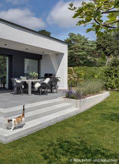 Small Backyard Landscaping, Backyard Patio, Landscape Design, Garden Design, House Design, Terrasse Design, Patio Slabs, Casa Patio, Concrete Steps