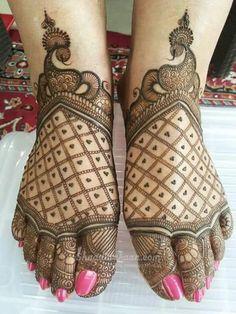 Mehndi Artist in Delhi By-Jai & Veer Mehandi Art Indian Mehndi Designs, Legs Mehndi Design, Henna Art Designs, Mehndi Designs For Beginners, Unique Mehndi Designs, Mehndi Designs For Fingers, Mehndi Design Images, Mehndi Designs For Hands, Mehandi Designs