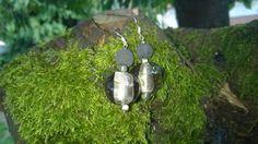 boucles d'oreilles perles de verre de Murano et pierre de lave volcanique : Boucles d'oreille par des-filles-et-des-perles