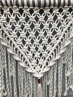 9 Tips for knitting – By Zazok Macrame Design, Macrame Art, Macrame Projects, Macrame Knots, Copper Decor, Copper Art, Bohemian Tapestry, Macrame Tutorial, Macrame Patterns