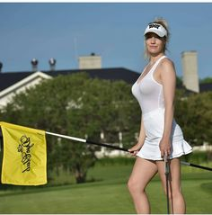 Golf Tips That Anyone Can Start Practicing Today. Globally, a lot of people look to golf for relaxation, fun, or to compete against your buddies. Sexy Golf, Girls Golf, Ladies Golf, Golfer Paige Spiranac, Vive Le Sport, Golf Photography, Lady, Perfect Golf, Golf Lessons