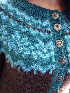 Ravelry: NishiKnits' Afmæli - Cardigan, steek me happy! Fair Isle Knitting Patterns, Fair Isle Pattern, Knit Patterns, Sweater Patterns, Stitch Patterns, Knitting Yarn, Hand Knitting, Norwegian Knitting, Icelandic Sweaters