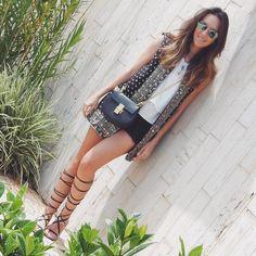 #fashion #style #ootd #gabimay #blogger #moda #estilo #lookdodia #instagram #vest #colete #gladiadora #gladiator #boho