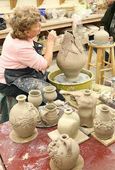 Advanced Wheel Throwing-- I wish i could do this! Ceramic Clay, Ceramic Pottery, Pottery Art, Slab Pottery, Ceramic Bowls, Ceramic Techniques, Pottery Techniques, Ceramics Projects, Clay Projects