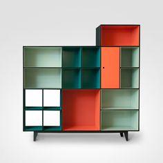 Produto desenvolvido pela equipe de Engenharia de Produtos marca Securit e inspirado no projeto do arquiteto Rodrigo Mindlin Loeb. A Brasiliana é composta por módulos empilháveis, totalmente em aço, de uso múltiplo e adaptável às mais variadas situações,