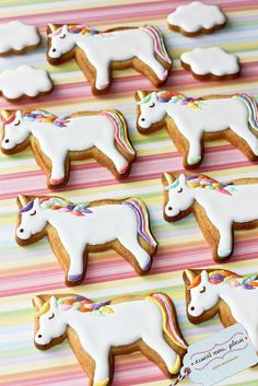 Unicorn Cookies Unicorn Biscuits Perfect for a girls birthday party! Galletas Cookies, Iced Cookies, Cute Cookies, Sugar Cookies, Cookies Et Biscuits, Unicorn Cookies, Cookie Designs, Cookie Monster, Cookie Decorating