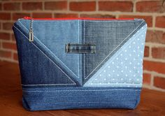 Create a Handy Pouch from Old Jeans - - - Create a Handy Pouch from Old Jeans – Jeans Erstellen Sie einen praktischen Beutel aus alten Jeans – Denim Ideas, Pouch Pattern, Denim Crafts, Recycle Jeans, Recycled Denim, Quilted Bag, Zipper Bags, Purses And Handbags, Bag Making