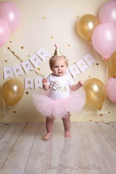 Pink and Gold First Birthday Tutu Set set)! - Custom, Made to Order (processing times apply) Custom SEWN Baby Pink Tutu with Gold Glitter One Bodysuit and Glitter Mini Party HatPink and Silver Cake Smash Outfit Girl First Birthday OutfitShop for firs Gold First Birthday Outfit, 1st Birthday Photoshoot, Baby Girl 1st Birthday, Gold Birthday, Princess First Birthday, Pink Und Gold, Rose Gold, Foto Banner, Cake Smash Outfit Girl