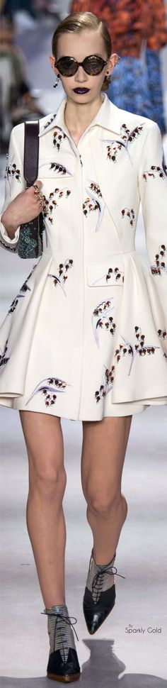 Christian Dior Fall 2016 RTW | www.bocadolobo.com/ #luxurybrands #luxurylifestyle #exclusive