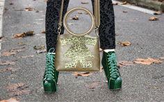 Che grinta Elisabetta del blog MODAfashion di Elisabetta Bertolini con la #biribag maculata!  #fashionblogger #birikini #bijoux #bracciali #birikiniemotions #birikinibloggers — presso Lauraf srl - ibirikini fashion.  www.ibirikini.com - info@ibirikini.com