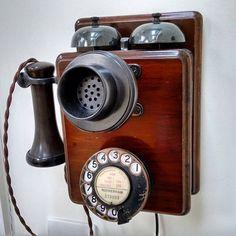 Vintage phones, vintage telephone, telephone booth, vintage walls, an Telephone Booth, Vintage Telephone, Whatsapp Pink, Antique Phone, Retro Phone, Walpaper Black, Vintage Phones, Phone Organization, Phone Icon