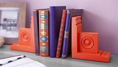 Transform pre-cut rosette millwork into ornamental bookends in just a few hours. Skill level: Beginner