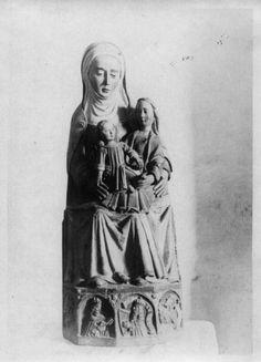 Imaxe de Santa Ana coa Virxe e o Neno. Mosteiro de San Vicente do Pino. Monforte de Lemos, Lugo, ca. 1900. Xelatina de prata ao clorobromuro. 18 x 13 cm.