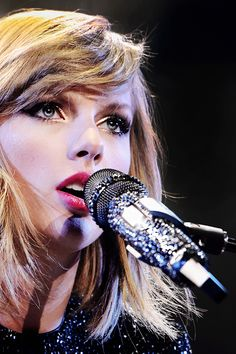 Taylor Swift So Beautiful & Talented. Live Taylor, Taylor Swift Style, Taylor Swift Pictures, Taylor Alison Swift, Taylor Taylor, Taylor Smith, American Music Awards, Pop Americano, Nashville