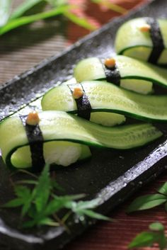 Recipe Idea: Pickled Cucumber Vegan Sushi Topped Karashi Yellow Mustard on Sushi Recipes, Gourmet Recipes, Vegan Recipes, Cooking Recipes, Vegan Sushi, Food Presentation, Food Plating, Japanese Food, Food Inspiration