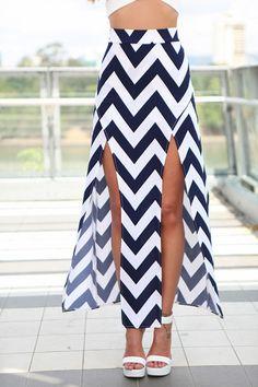 Zig Zag Pattern Slit Skirt
