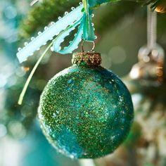schicke weihnachtskugeln Glitzer und Glamour in Blaugrün