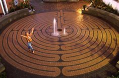 The Grace Brethren Labyrinth. California This magnificent 1,250-square-foot labyrinth is an exact replica of the original Chartres design, minus the lunations. The path is 12.5 inches wide and extends a total of 750 feet in length. Pausing stones lead up to the entrance, encouraging people to reflect on their intention before entering the labyrinth. Molded concrete meditation benches around the perimeter of the space provide plenty of space for private meditation and prayer.