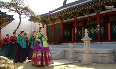 The moon embracing the sun hanbok