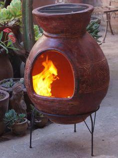 Deze rode Sol-y-Yo Chimenea Mexicaanse Barbecue van 90 cm creëert met zijn bijzondere motief een geweldige Mexicaanse sfeer.De barbecue is ook verkrijgbaar in het grijs.