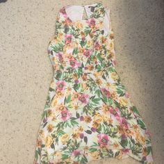 Forever 21 floral vibrant dress Forever 21 floral vibrant dress with open back as pictured, size large. Worn once Forever 21 Dresses