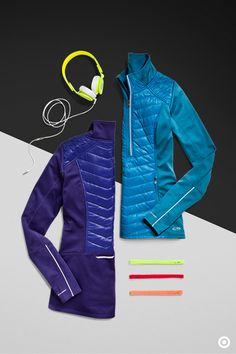 A soft, quilted jacket is something you need for every cold-weather workout.This C9 Champion Premium Jacket has a seal-tight design that wicks moisture and stretches as you move. Plus, the inside is brushed for added warmth. It easily folds up and fits into any bag for an easy and light travel companion.