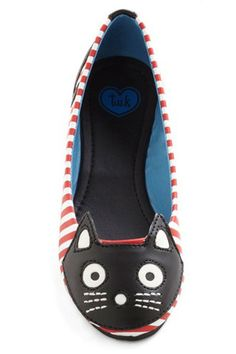 These shoes are so cute, I kind of just want to hang them up on my wall. | 40 Quirky Styles For The Cat Lover's Wardrobe