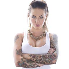 "Christy Mack (@greglansky) na Instagramu: ""@christymack sexy #tattoos #alternative #babe #fashion #portrait #fineart"""