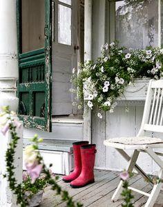tondro_porch_boots.jpg (400×509)
