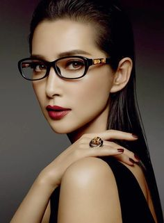 Li Bingbing for Gucci Bamboo Eyewear Campaign Cool Glasses, Eye Glasses, Li Bingbing, Gucci 2014, Gucci Eyewear, Gucci Spring, Black Leather Gloves, Trending Sunglasses, Gucci Bamboo