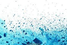 """""""Explosion of blue powder on white background"""" zdjęć stockowych i obrazów…"""
