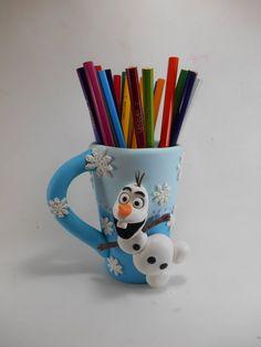 Caneca porta lapis em biscuit- frozen- Olaf