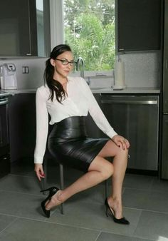Lederlady ❤ pencil skirts leather dresses, black leather skirts, hot high h Black Leather Skirts, Leather Dresses, Tight Pencil Skirt, Pencil Skirts, Leder Outfits, Hot High Heels, Sexy Skirt, Office Fashion, Leather Fashion