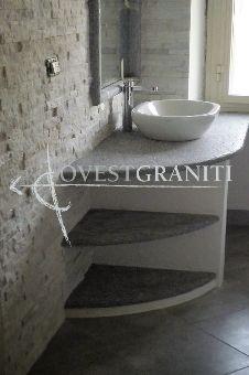 Top bagno in pietra di luserna spazzolata rivestimento parete in marmo cristallino bianco - Rivestimento bagno in pietra ...