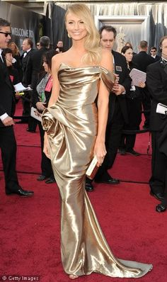 Stacy Keibler - Oscars 2012 - Red Carpet Pictures