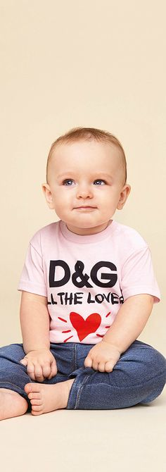 DOLCE & GABBANA Baby Girl Pink All The Love Tshirt & Denim Jeans for Spring Summer 2018.  This cute pink heart t-shirt by Dolce & Gabbana is inspired by the adults collection. Perfect Streetwear for a little princess at the beach or on vacation. Pretty Summer Look for a stylish little baby girl.#dolcegabbana #babyclothes #girlsdresses  #babygirlsclothes #girlsclothing #girlsfashion #kidsfashion #fashionkids
