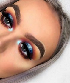 Orange halo eye, glam cut crease eye makeup summer eyeshadow look 2018 beau Makeup Eye Looks, Blue Eye Makeup, Eye Makeup Tips, Glam Makeup, Makeup Inspo, Makeup Inspiration, Makeup Ideas, Makeup Trends, Makeup Tutorials