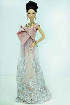 http://www.magia2000.com/gallery/2013/Nola2013/couture_greece.html