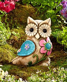 Add a charming touch to your yard with the Glittery Garden Statue. Owl Home Decor, Owl Artwork, Owl Always Love You, Beautiful Owl, Owl Crafts, Wise Owl, Owl House, Garden Statues, Yard Art