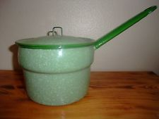 NICE ANTIQUE VINTAGE GREEN GRANITEWARE ENAMELWARE POT PAN kettle with lid