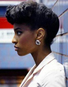 Coiffure afro femme cheveux crépus hiver 2015